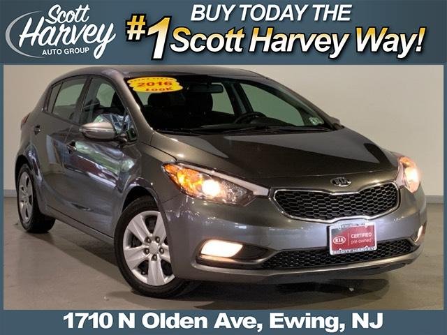Certified Pre-Owned 2016 Kia Forte 5-Door 5dr HB Auto LX